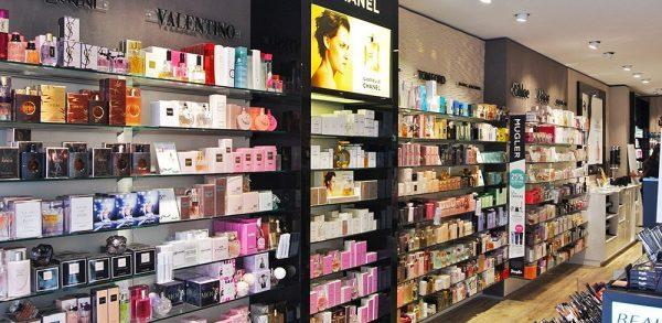 Douglas parfumerie interieur