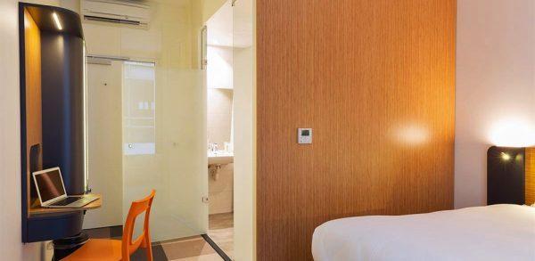 Easyhotel horecainrichting hotelinrichting