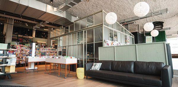 Bibliotheek interieur Alphen