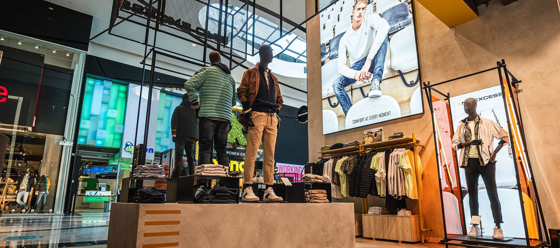 No Excess kledingwinkel inrichten