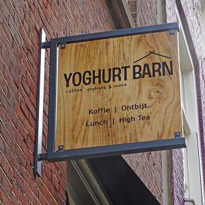 Yoghurt barn horecainterieur